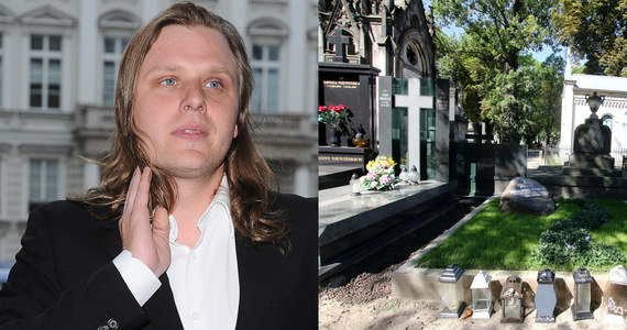 """Piotr Woźniak-Starak's tomb is under renovation.  Tabloid Reports: """"Featured Plates and Tapes"""""""
