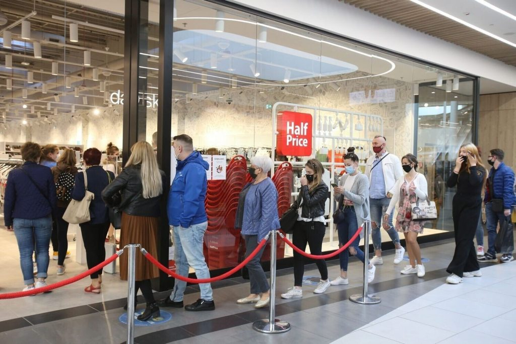 HalfPrice in Zabrze, Platan Shopping Center - See photos from the opening!  This is the second such store in the entire county.  Silesia