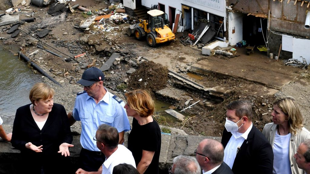 Angela Merkel is shocked at the sight of flood damage.  'Almost missing words'    world News