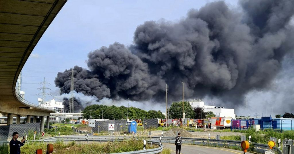 Leverkusen.  Explosion at the Bayer factory