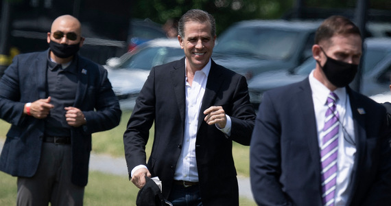 USA: The media released the Hunter Biden tapes.  Pictures and conversations with a prostitute.