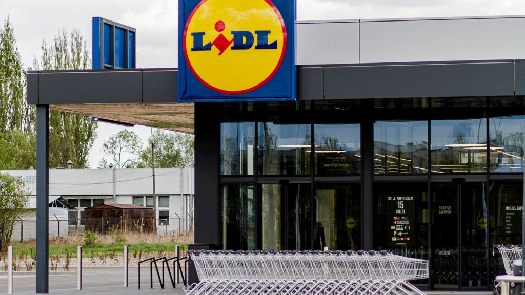 Lidl will employ 500 employees.  3550 with total and free language lessons