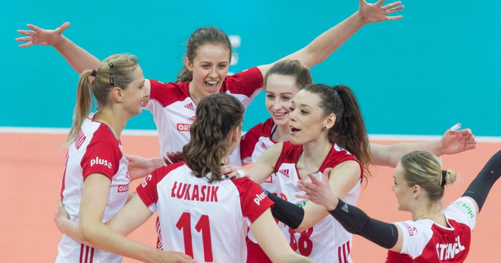 Volleyball players in ME.  Poland - Greece.  Confident victory for Polish women in the European Championship