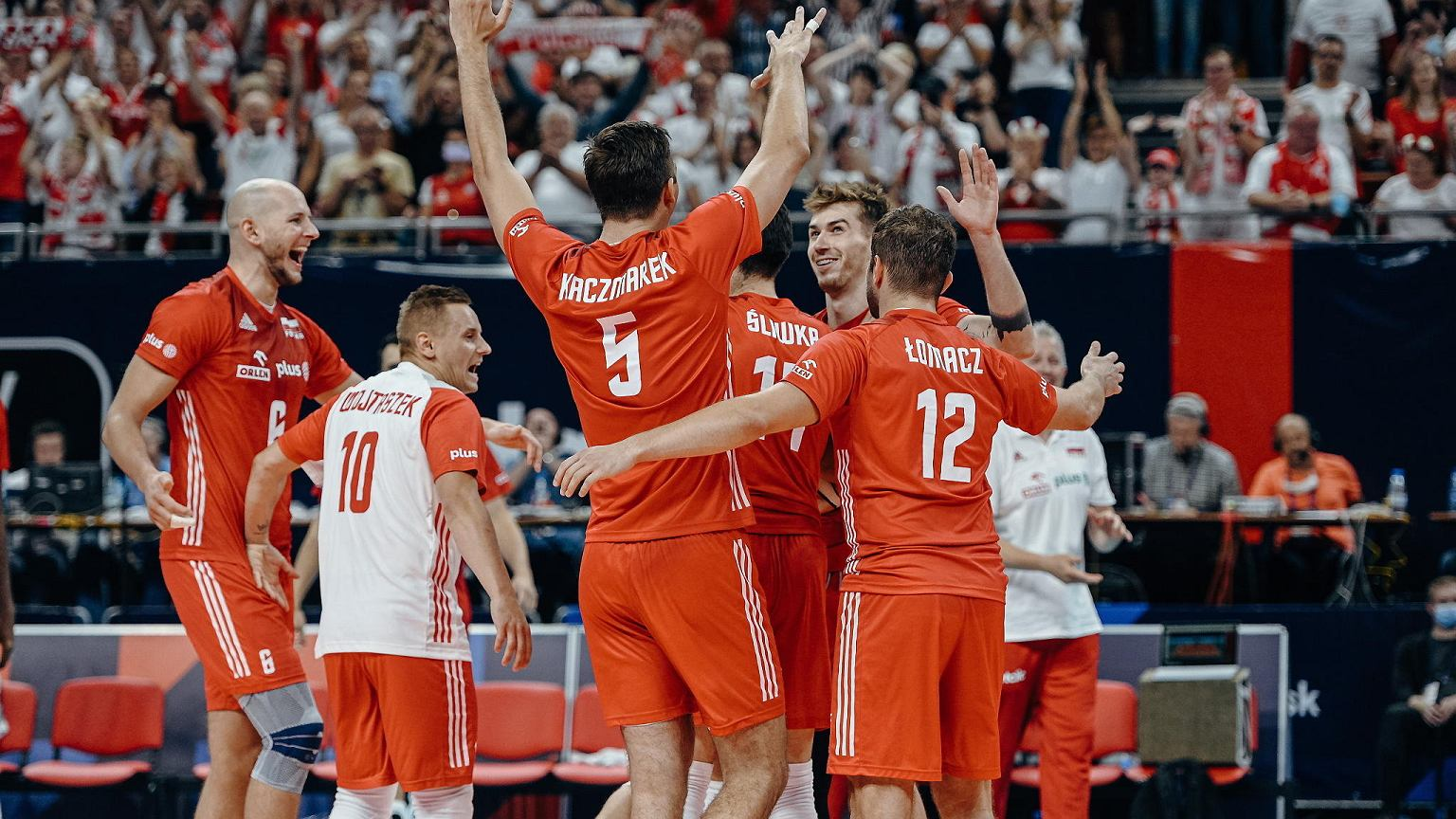 Poland won with Serbia 3:2 (25:21, 23:25, 20:25, 25:20, 16; 14) in the second match of Group A of the European Men's Volleyball Championship.  After the tiebreak, the Tauron Arena Kraków exploded with glee.