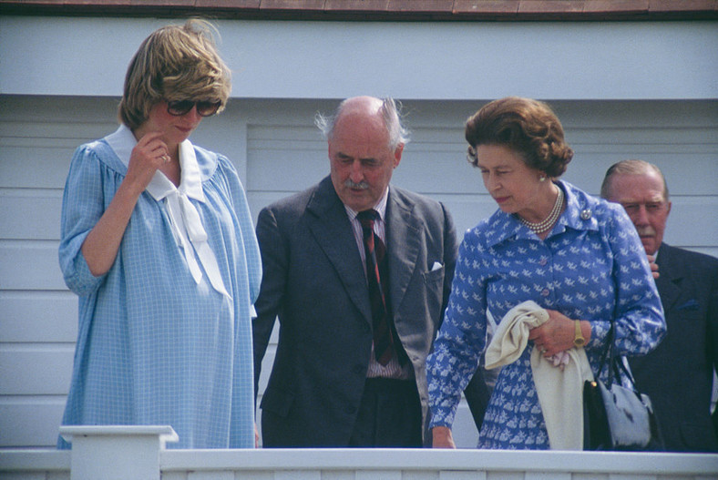 Mrs. Diana, May 30, 1982 Prince William will be born in three weeks