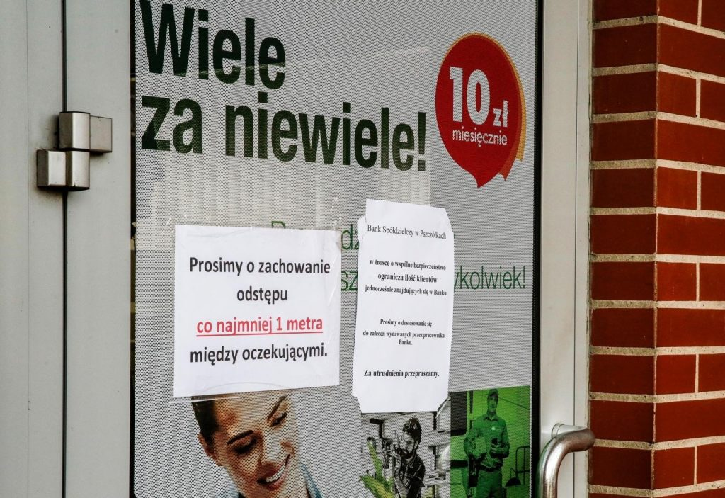 What to do with savings when the deposit is not profitable: 09/01/2021.  More and more Poles know what to invest in, but do not have the courage.  Why