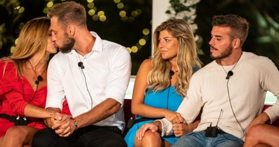 """""""Love Island. Love Island.""""  They were favourites, and that's something.  Is this the sure end?!"""