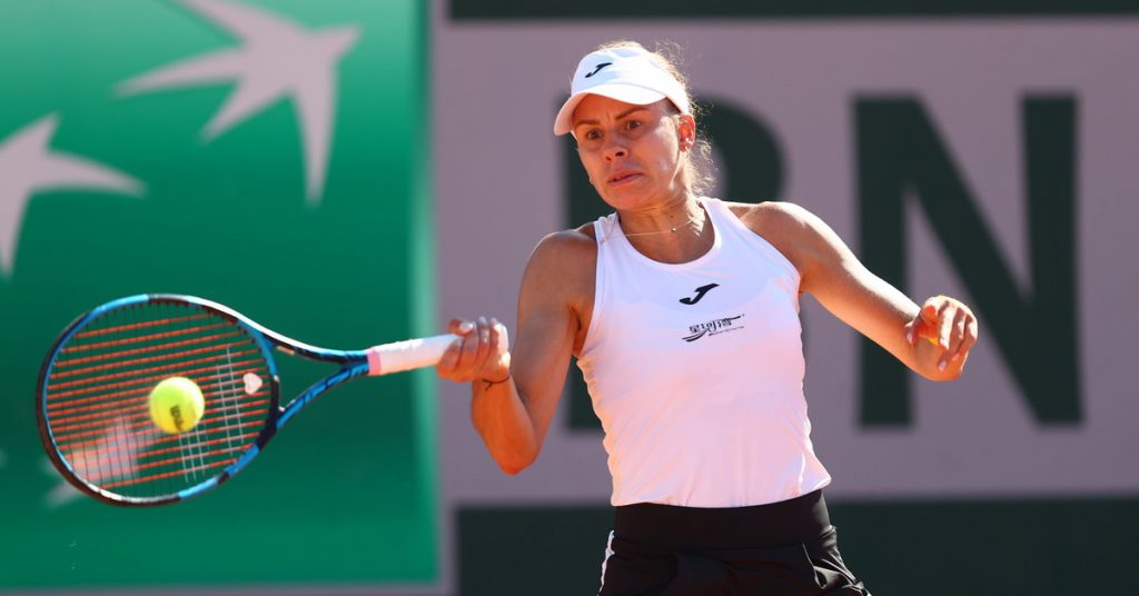 Indian wells.  Magda Lynette - Rebecca Peterson.  Result and report from the match