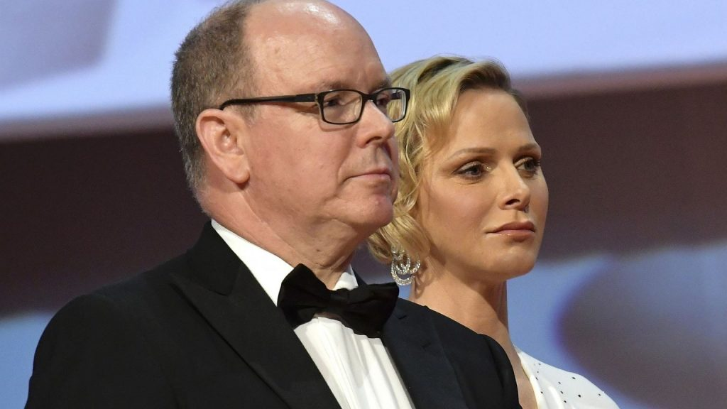 Prince Charlene wasn't even wearing a wedding ring to meet Prince Albert.  Divorce rumors spread abroad